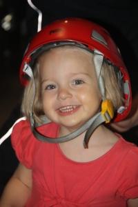 Ruth met de brandweerhelm